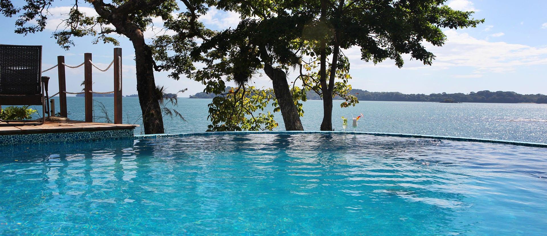 Panama oceanside pool
