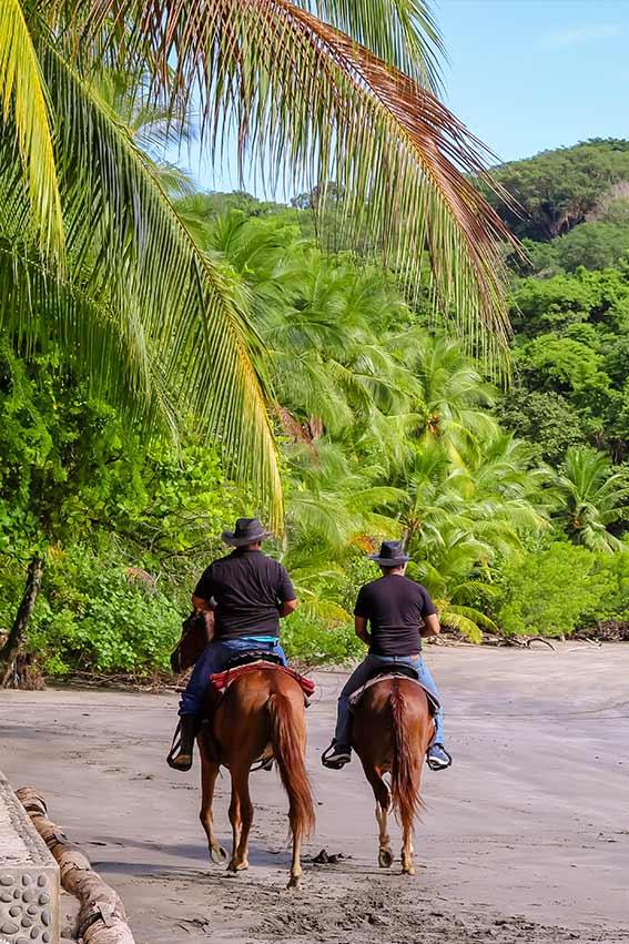isla Boca Brava beach horseback riding